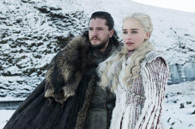 Кит Харингтон и Эмилия Кларк в сериале «Игра престолов».