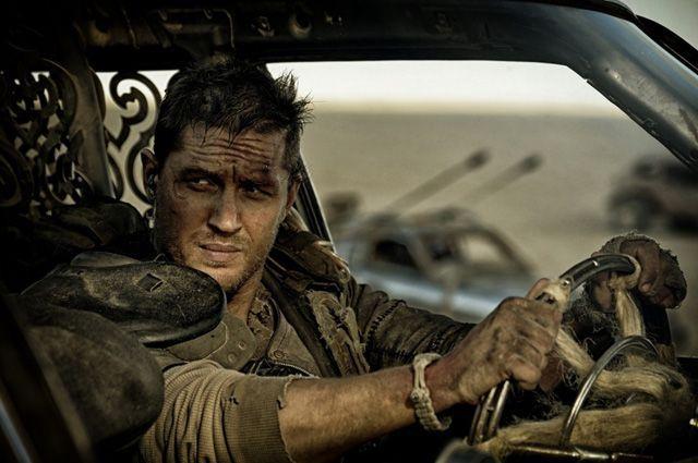 Том Харди в фильме «Безумный Макс: Дорога ярости».