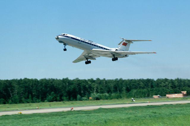 Пассажирский самолет ТУ-134.