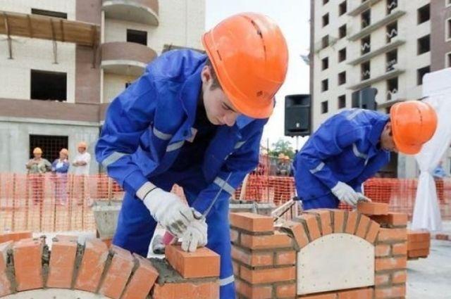 43 тыс. евро в год - средняя зарплата рабочего в Германии.