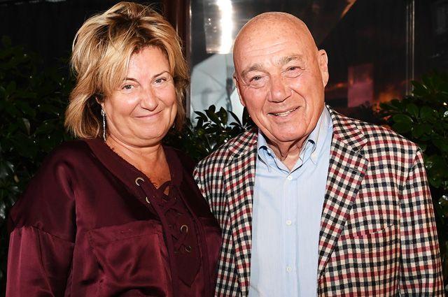 Телеведущий Владимир Познер и его супруга, продюсер Надежда Соловьева. 2018 г.