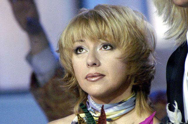 Алена Апина.