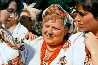 Эмилия Трейвас в фильме «Свадьба в Малиновке».