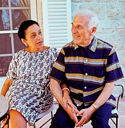 Известный во всём мире художник, уроженец Беларуси Марк Шагал вступил в повторный брак, когда ему было 64. С супругой Валентиной Бродской он прожил до самой смерти, их брак продлился 34 года.