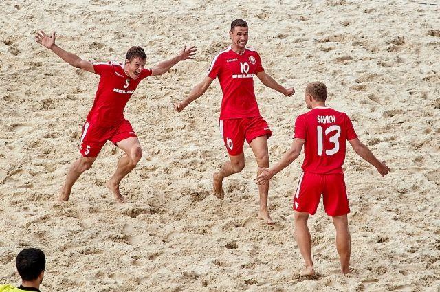 Белорусский футболисты впервые пробились на Чемпионат мира по пляжному футболу.