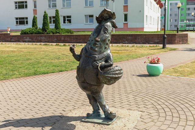 Юмор тут в цене. В каком еще городе вы увидите скульптуру огурца?