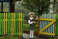 Нужно постепенно, без нагнетания страстей готовить ребёнка к возвращению за парту и начинать хотя бы за неделю до школы.
