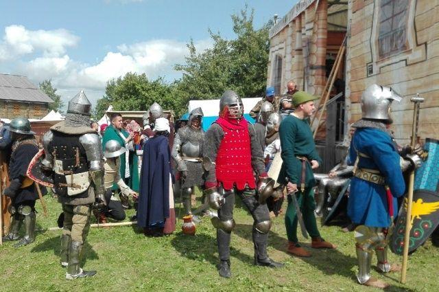 Дни рыцарского фестиваля – чуть ли не единственные в году, когда в Мстиславле что-то происходит.