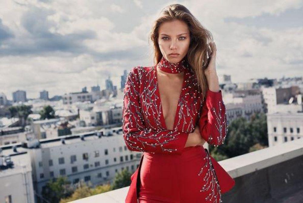 20-летняя модель Алеся – дочь Евгения Кафельникова и Марии Тишковой. В 2015 году всемирно известное агенство Elle заключило с ней контракт на 5 лет. Также девушка пробовала себя в роли телеведущей.