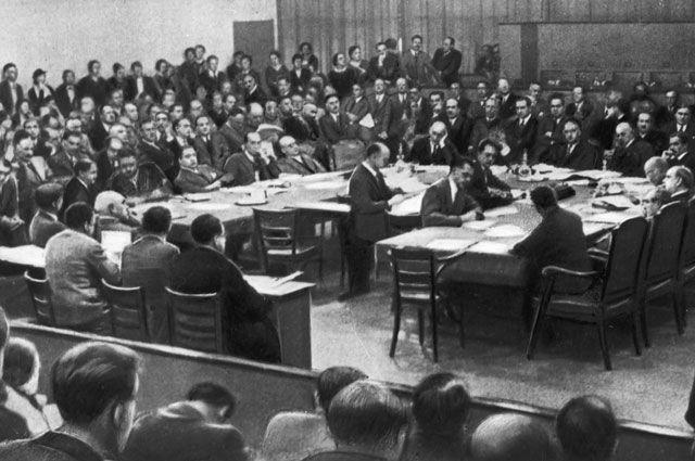 Заседание Совета Лиги наций по вопросу о применении санкций против Италии. 1935 года.