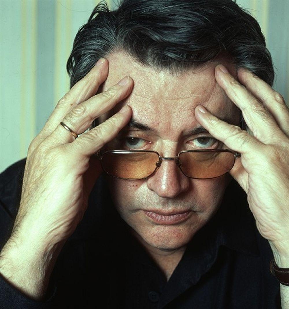 В 1956 году из Щукинского училища выпустился Александр Ширвиндт, позже прославившийся не только на ниве актерства: на его счету более дюжины режиссерских и сценарных работ в театре, в том числе совместные постановки с Марком Захаровым и Андреем Мироновым.