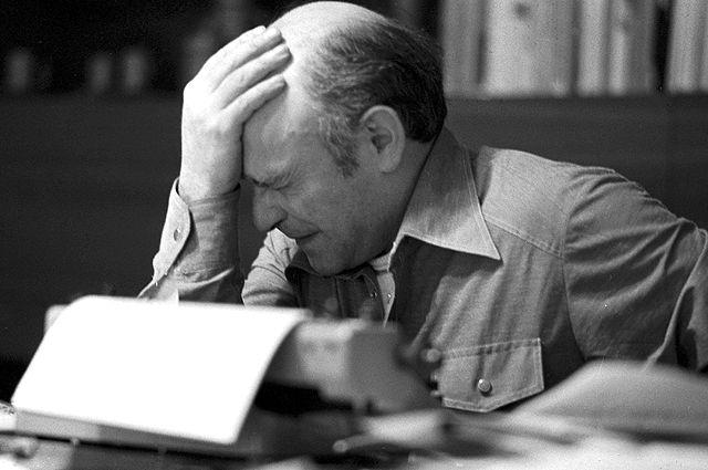 Заслуженный артист РСФСР, актер и режиссер киностудии «Мосфильм» Ролан Быков. 1976 год.