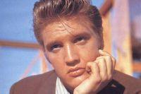 Элвис Пресли на съёмках фильма «Люби меня нежно».
