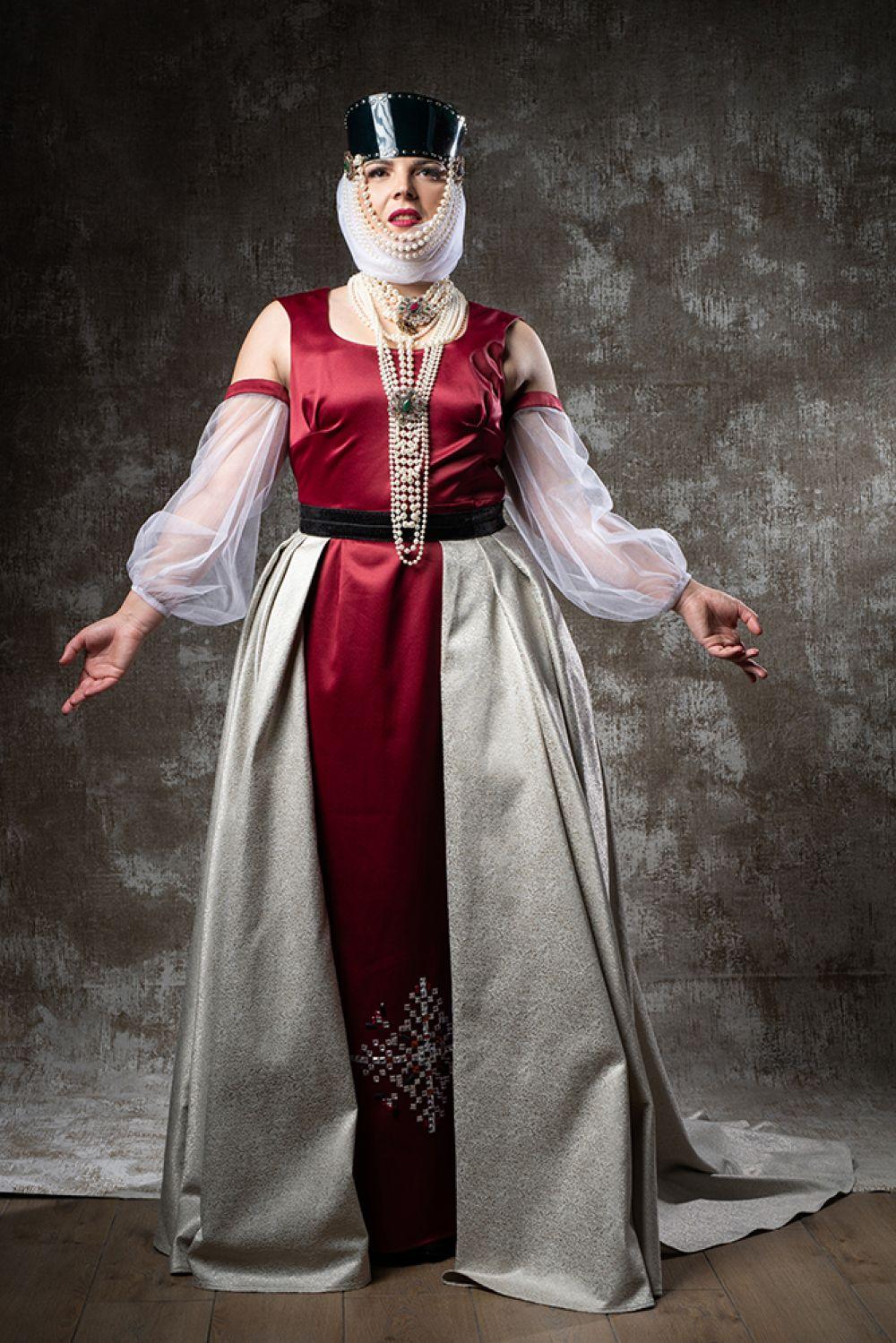 Образ Виктории Клевец на мотив национального костюма.