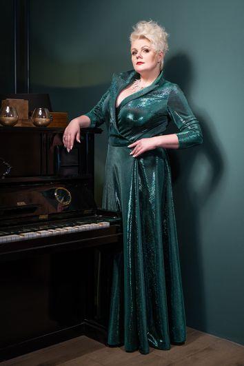 Инга Булицкая. Дизайнер платья: Наталья Ляховец.