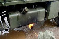 В Советской армии дизельные грузовики отогревали с помощью открытого огня под днищем или даже паяльной лампой. Сейчас это делать запрещено из-за наличия в машинах большого количества пластмассовых деталей.