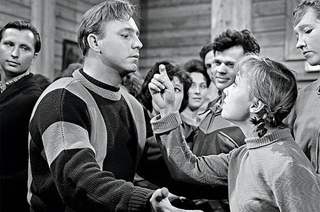 Надежда Румянцева и Николай Рыбников в фильме «Девчата». 1961 год.