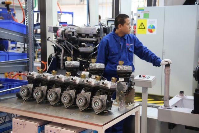 В Китайско-Белорусском индустриальном парке «Великий камень» введен в эксплуатацию новый завод по производству дизельных двигателей ООО «МАЗ-Вейчай».