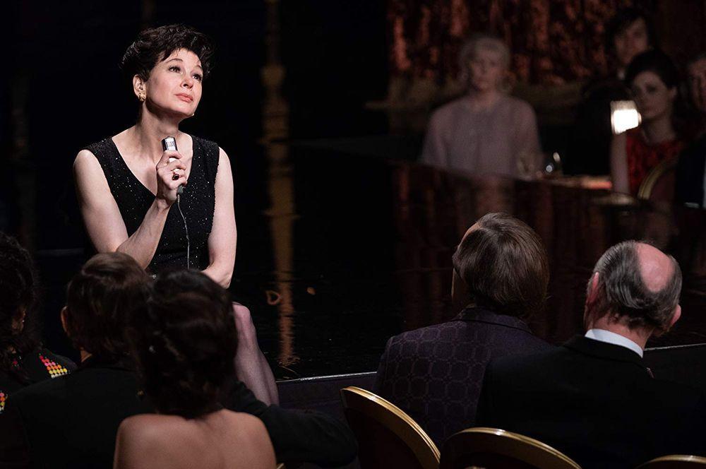 Претендентками на лучшую женскую роль стали: Рене Зеллвегер, «Джуди».