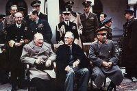 Черчилль, Рузвельт и Сталин в Ялте.