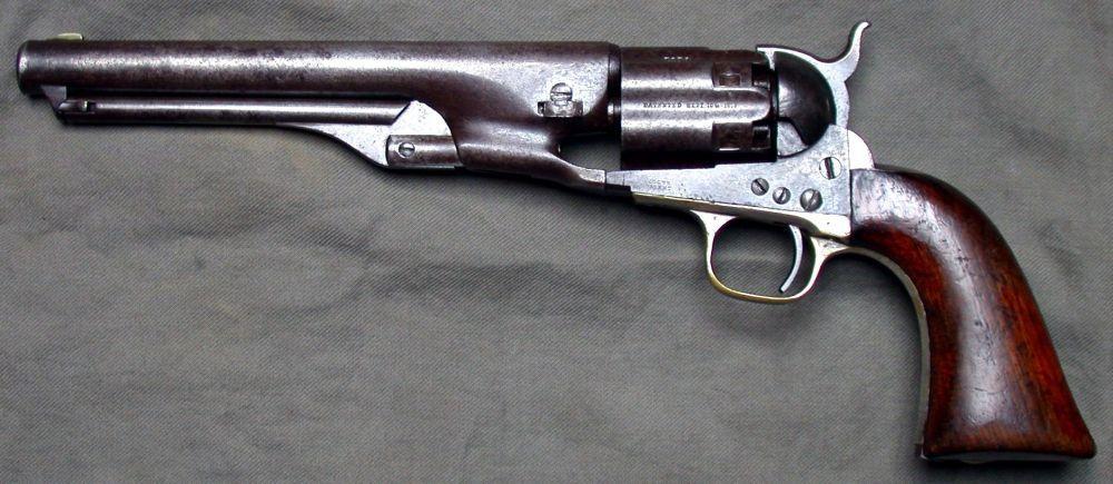 Выпущенный в 1860 году Colt Army стал самым популярным оружием Гражданской войны, хотя стоил дороже других револьверов – 13 долларов. Он заряжался с передней части барабана с помощью шомпола, а потому уступал по скорости перезарядки и вероятности самопроизвольного выстрела своему конкуренту – Remington Model 1858. Тем не менее, огневая мощь Colt Army была выше.