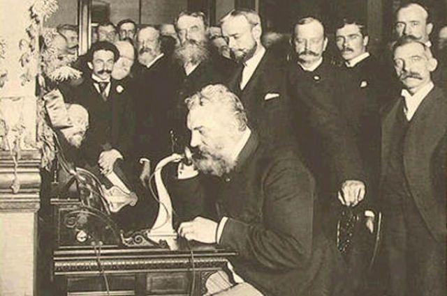 Александр Белл на открытии телефонной линии между Нью-Йорком и Чикаго, 1892 г.