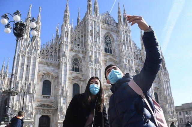 Многие боятся не столько заразиться коронавирусом, сколько «застрять» в чужой стране из-за карантинных мероприятий.