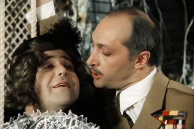 Признание в любви полковника Чеснея к донне Розе стало одним из самых ярких в советском кинематографе.