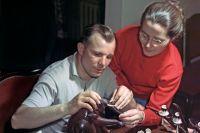 Юрий Гагарин с супругой Валентиной. Март 1966 года.