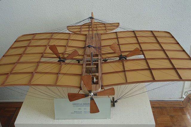 Модель самолёта А. Ф. Можайского. Политехнический музей Москвы.
