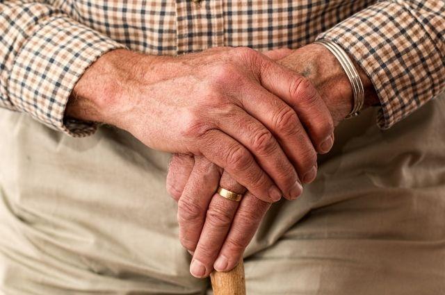 В Барановичах неизвестные в масках обокрали пенсионерок