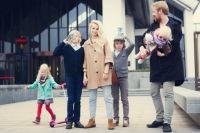 Вся большая семья теперь много времени проводит дома, а не на улице.