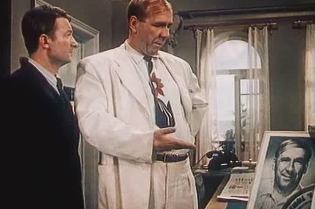 Фильм с Вициным и Пляттом в главных ролях задумывался как едкая сатира на советскую бюрократию и крючкотворство.