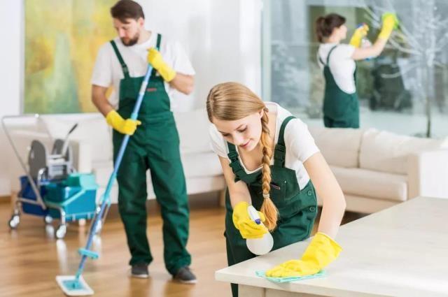 За уборку однокомнатной квартиры в среднем нужно отдать 45-50 руб.