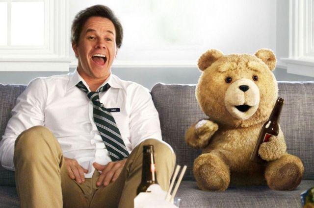 Казалось бы, легкая комедия с испорченным плюшевым медведем в главной роли, но картина неожиданно вскрывает сложные философские проблемы.