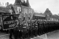 В числе лучших фронтовиков 1-го Белорусского фронта капитан Карибский был участником знаменитого исторического парада Победы в Москве на Красной площади 24 июня 1945 года.