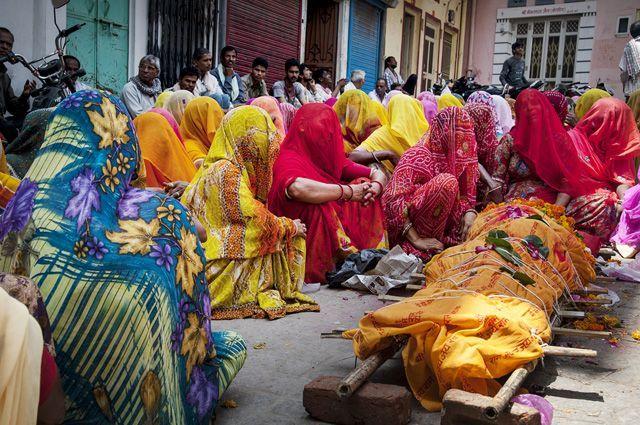 Похороны в Индии.