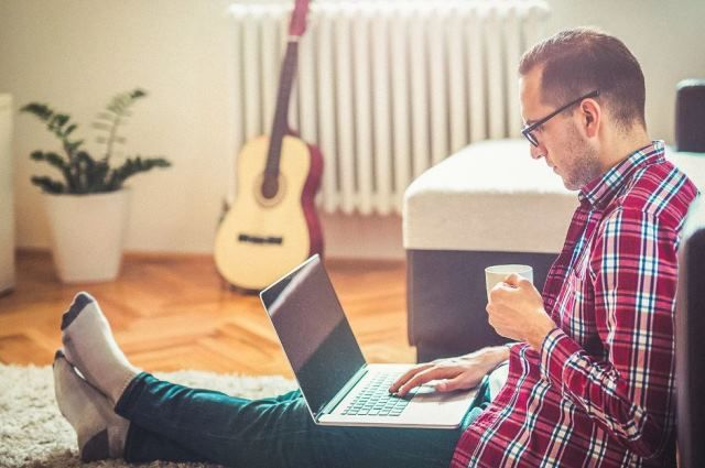 Ноутбук расходует гораздо меньше электроэнергии, чем компьютер.