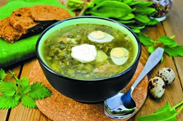 Блюдо, приготовленное с зеленью, лучше съесть сразу же.