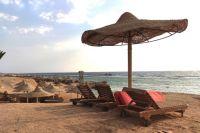 Пустынные пляжи стали довольно обыденными, хотя в прошлом году здесь было «яблоку негде упасть».