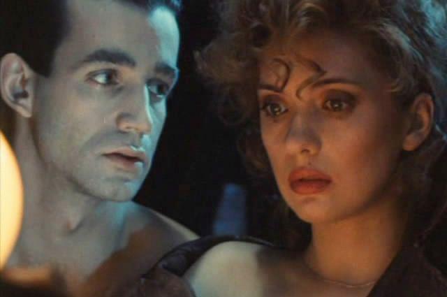Ольга Дроздова и Дмитрий Певцов в фильме «Алиса и букинист», 1992 год.
