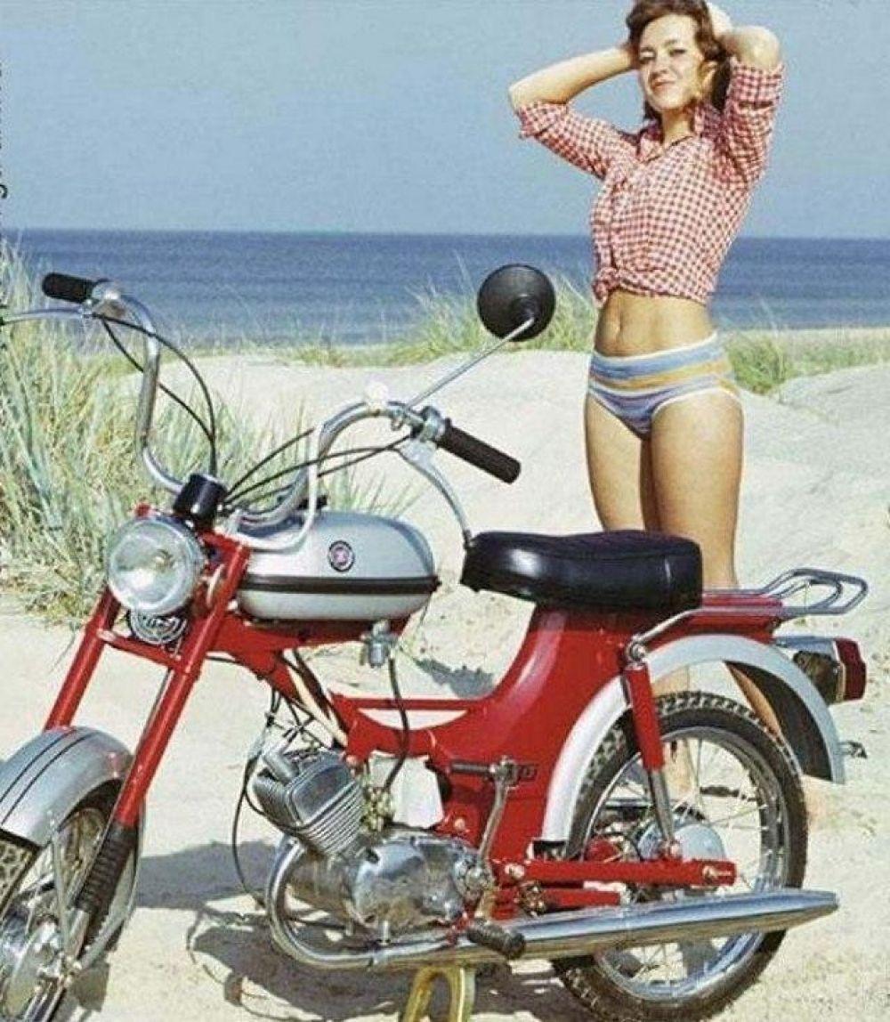 Реклама мопедов «Рига», Латвия, 1970-е.
