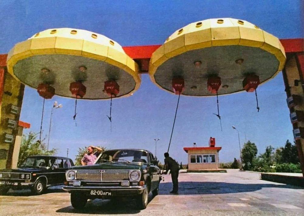Заправка НЛО, Баку, Азербайджан, 1980-е.