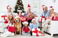 Постарайтесь спланировать тематику новогоднего вечера так, чтобы он понравился всем членам семьи.