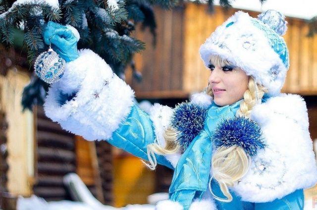 У Деда Мороза, в отличие от Санта-Клауса, есть внучка - Снегурочка.