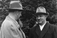 Академик Игорь Курчатов и директор КБ № 11 Павел Зернов, 1950-е гг.