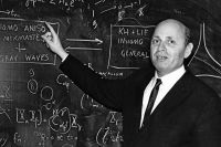 Академик Халатников считал, что самой сложной задачей в науке, которую ему удалось решить вместе с академиком Сахаровым, был расчёт характеристик водородной бомбы.
