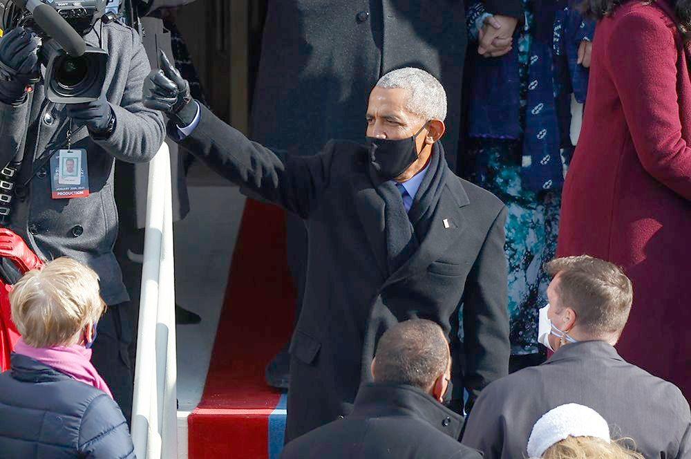 На церемонии присутствовали три бывших президента США: Билл Клинтон, Джордж Буш - младший и Барак Обама.