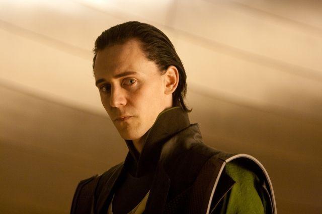 Том Хиддлстон в роли Локи.