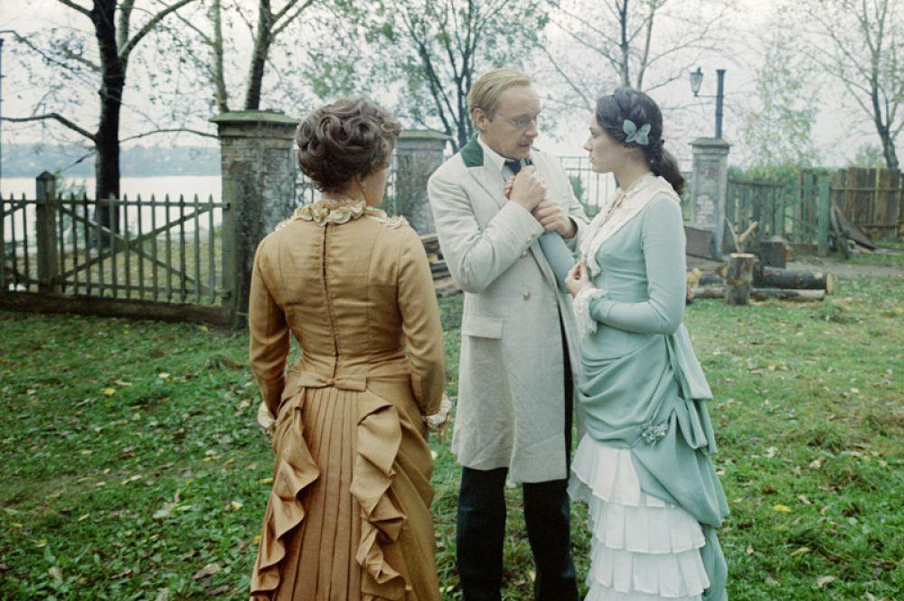 «Жестокий романс» (1984) — Юлий Капитоныч Карандышев.